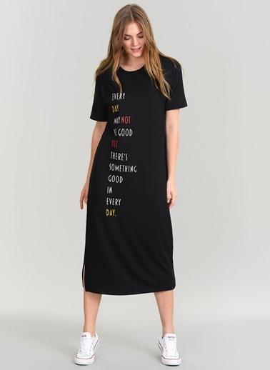 Agenda Baskılı Yırtmaçlı Elbise Siyah